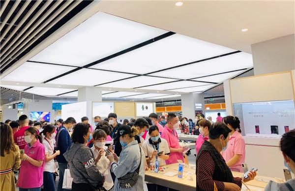 五一當天手機市場迎高峰,5G銷售占比45%