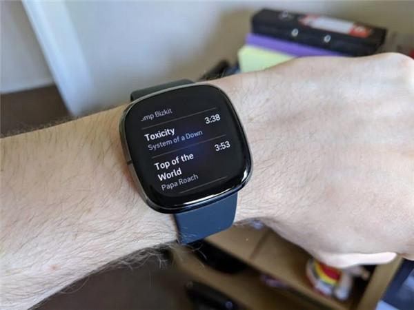 Fitbit Sense评测