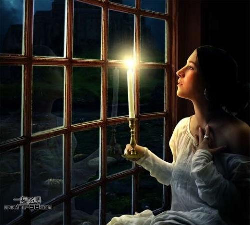 美女夜里独自一人手持蜡烛